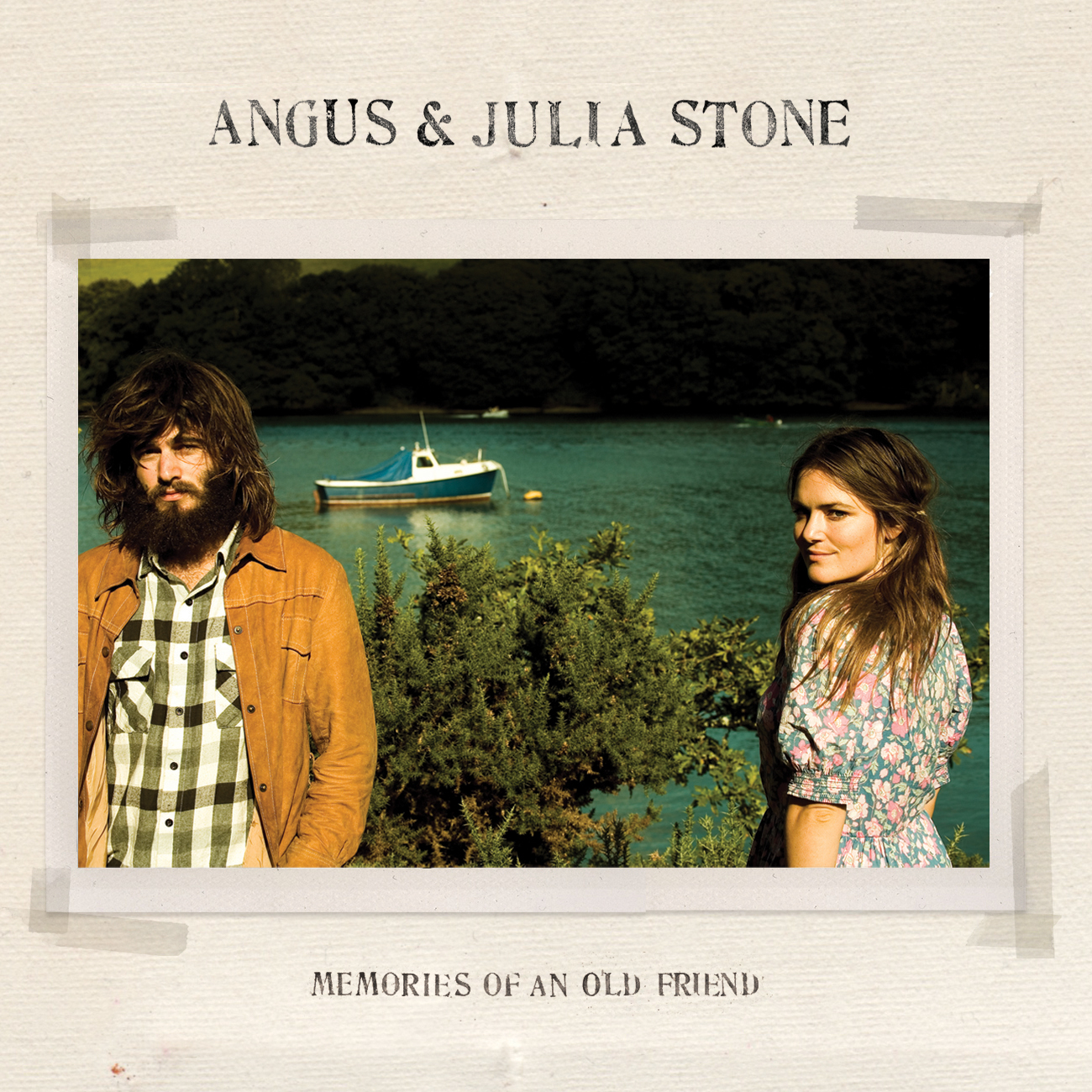 jaquettes2/Angus-and-Julia-Stones_Memories-of-and-old-friend.jpg