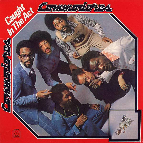 jaquettes4/Commodores_Caught-In-The-Act.jpg